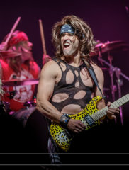 steel_panther_3933