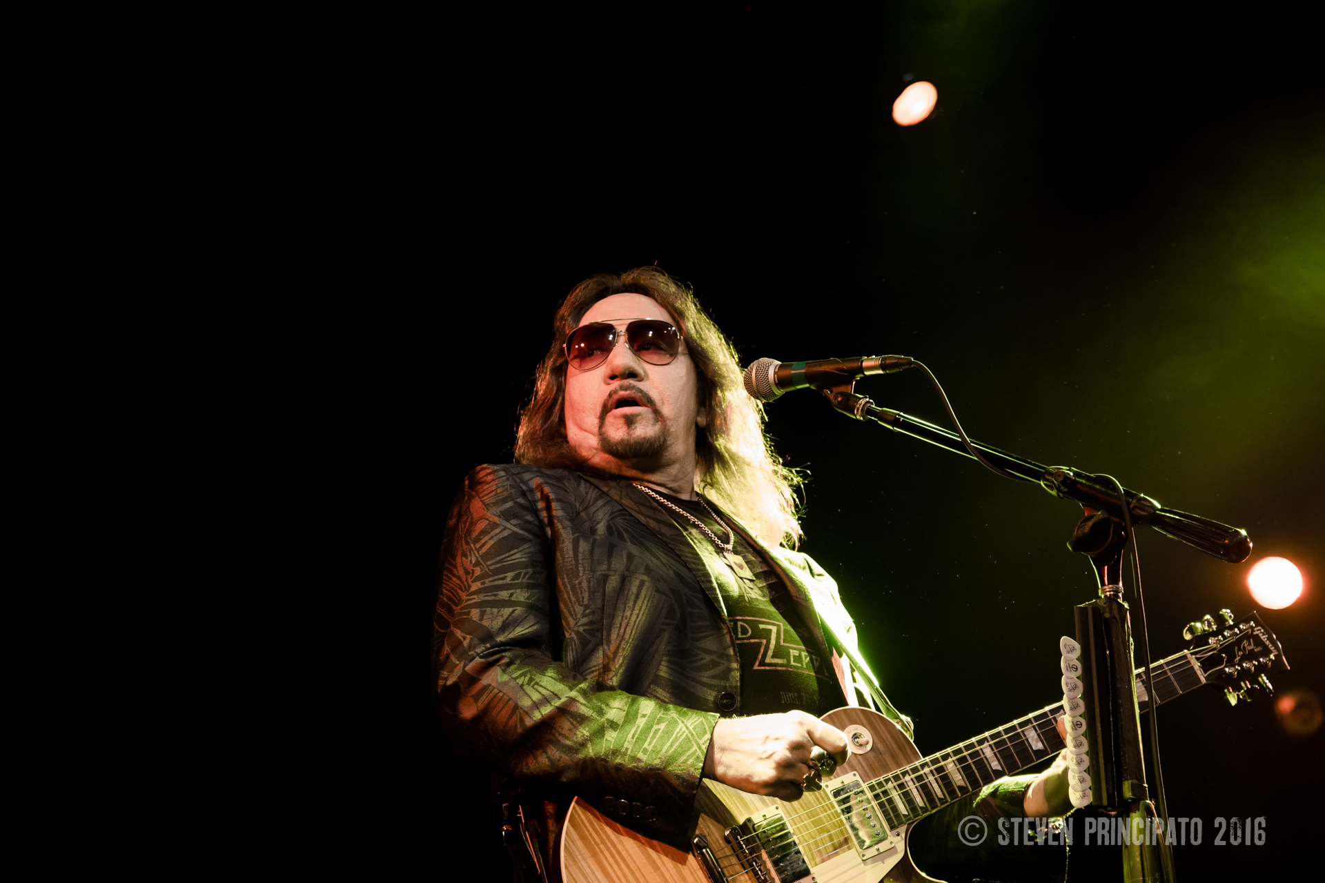 video xhssfh kiss ace frehley new york groove live music