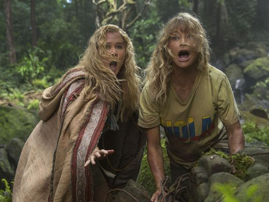 Movie Review: SNATCHED (2017)